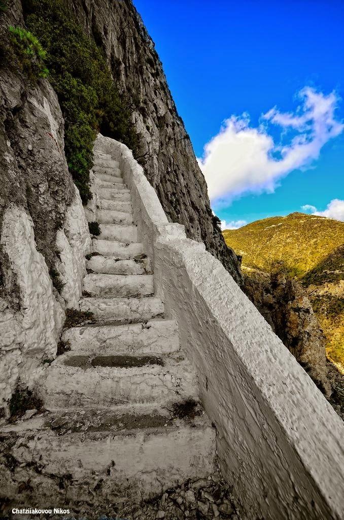 Αποτέλεσμα εικόνας για To Σπήλαιο του Πυθαγόρα σαμος