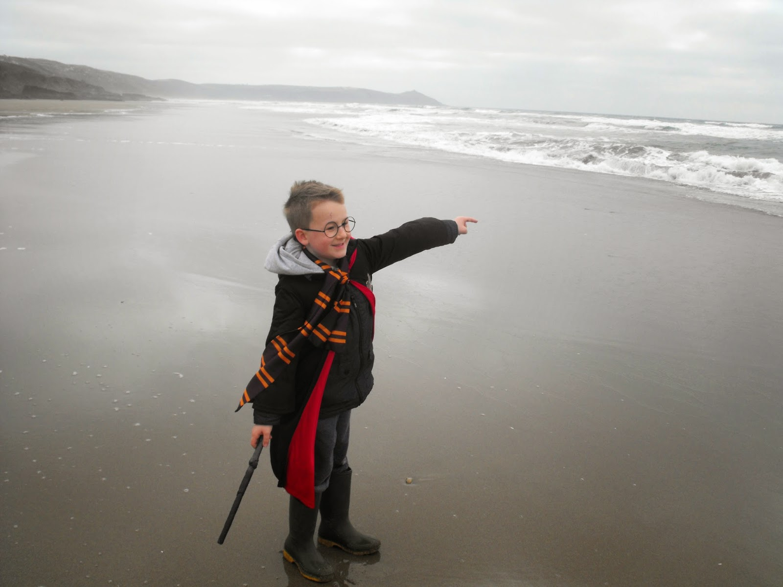 harry, potter, costume, beach, rame, cornwall, mill brook, plymouth