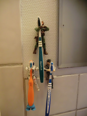 Manly toothbrush holder action man free Do it yourself DIY