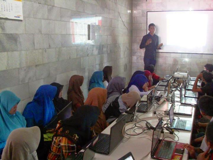 Belajar Komputer Gratis 3 Tahun di Yapenbit