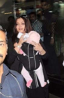Aishwarya Rai snapped with daughter 'Aaradhya'
