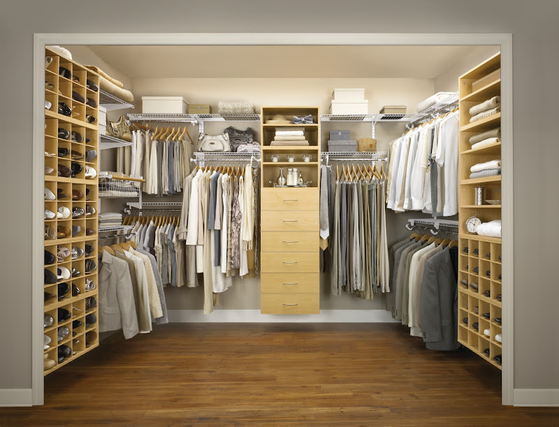 gathered few pictures I found online of big walk in closets. title=