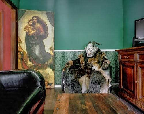 20-Austrian-Freelance-Photographer-Klaus-Pilcher-What-to-do-Between-Halloweens-www-designstack-co