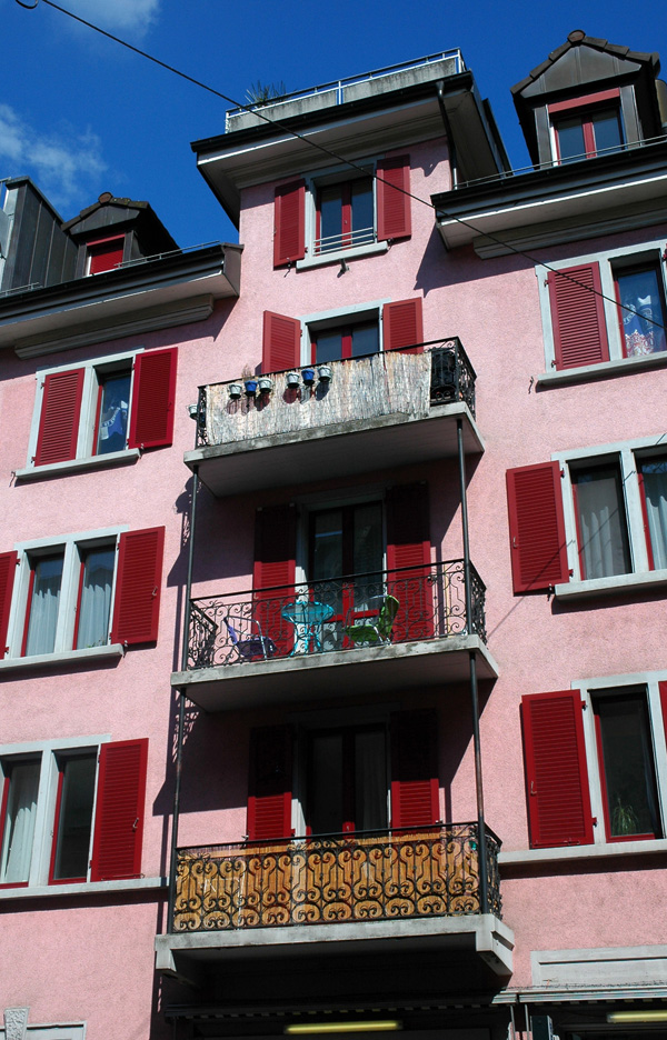 Kreis 5 Qartier Industriequartier Zürich Schweiz Sommer Balkon