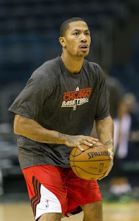 Derrick Rose shoots during warmups prior to the game against the Bucks. ( January 30, 2013 )