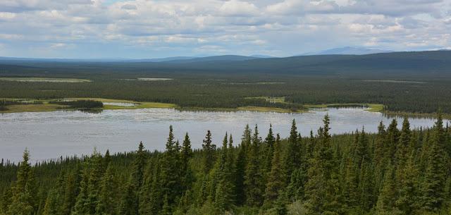 Alaska lake scenery