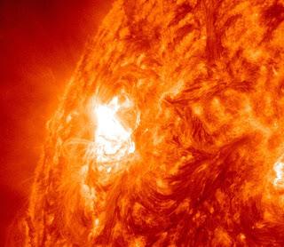 Foto Badai Matahari Yang Menakjubkan