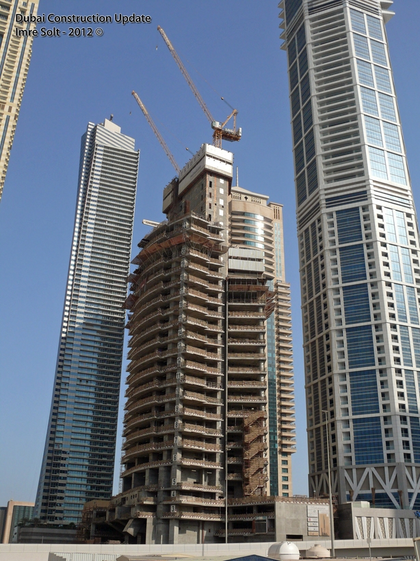 Picture of the Pentominium tower under construction