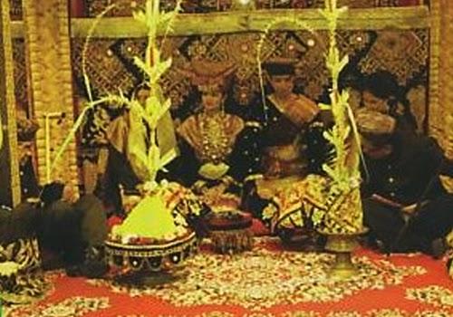Adat Pernikahan Unik Lubuak Jantan Minangkabau