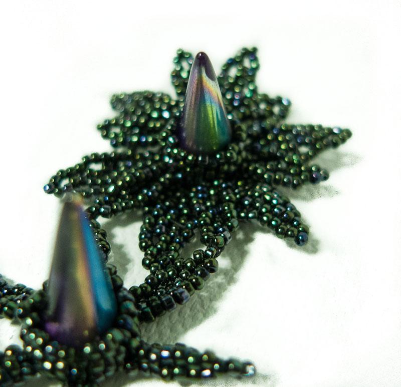 turmalines gr ner faden thorn flowers. Black Bedroom Furniture Sets. Home Design Ideas