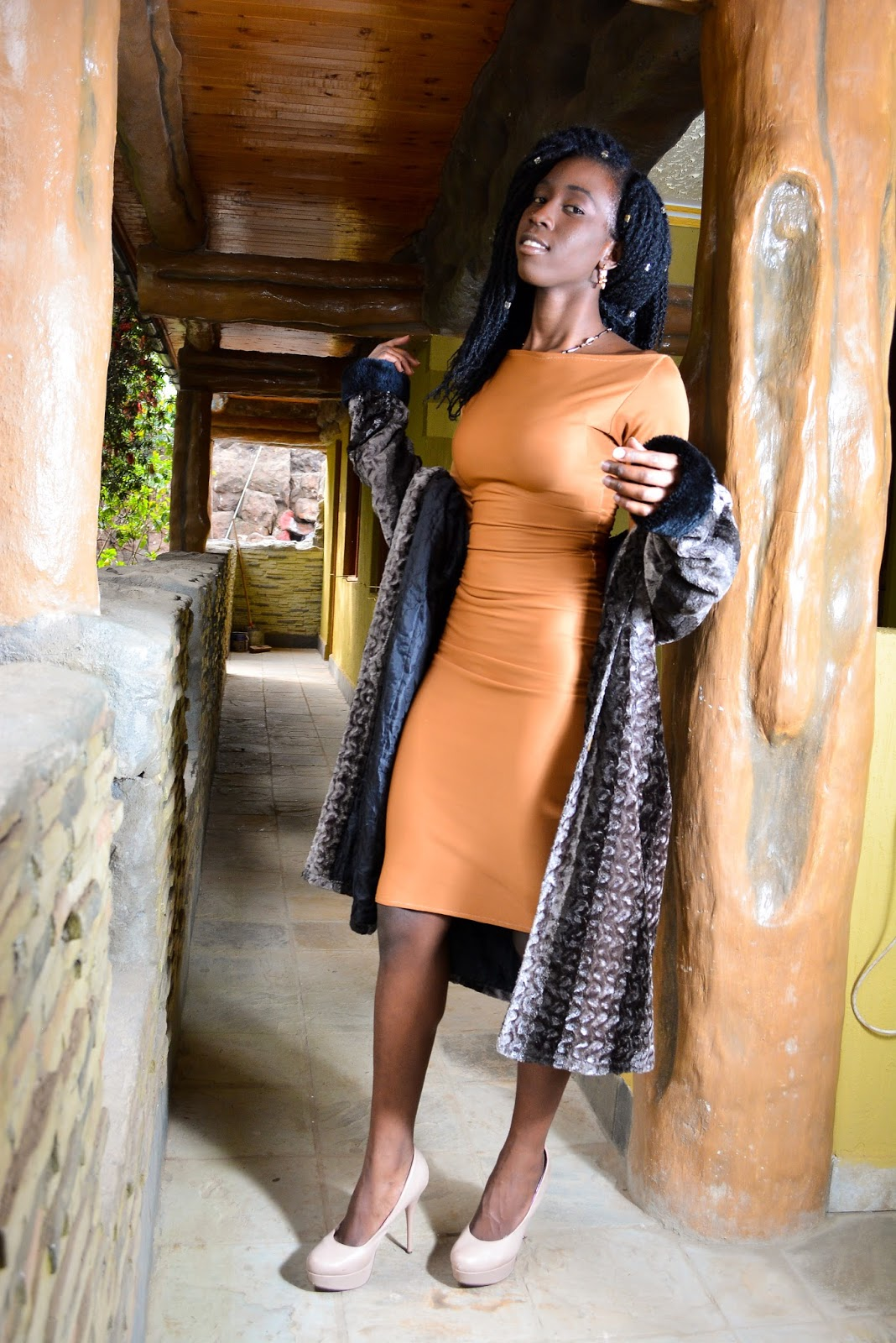 nude dress, how to style a nude dress, what to wear to a cofee date, what to wear to a milkshake meeting, style with ezil, kenyan fashion blogger, african fashion blogger, ezil, ezil boutique, buy nude dress in kenya