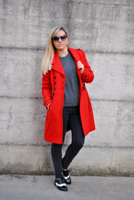outfit cappotto rosso jeans neri skinny red coat skinny jeans black skinny jeans  outfit casual invernali outfit da giorno invernale outfit dicembre 2015 december outfit casual winter outfit mariafelicia magno fashion blogger colorblock by felym fashion blog italiani fashion blogger italiane blog di moda blogger italiane di moda fashion blogger bergamo fashion blogger milano fashion bloggers italy italian fashion bloggers influencer italiane italian influencer