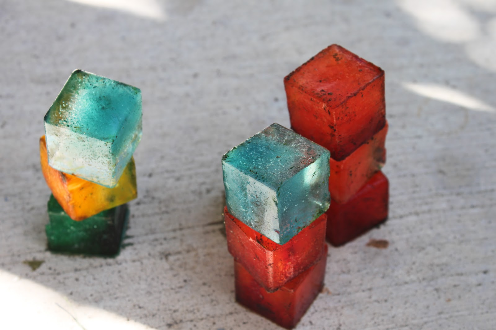 Building with ice cubes learn play imagine for Ice block construction
