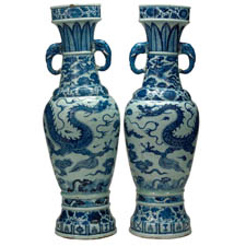 Blue and white Yuan vases david foundation
