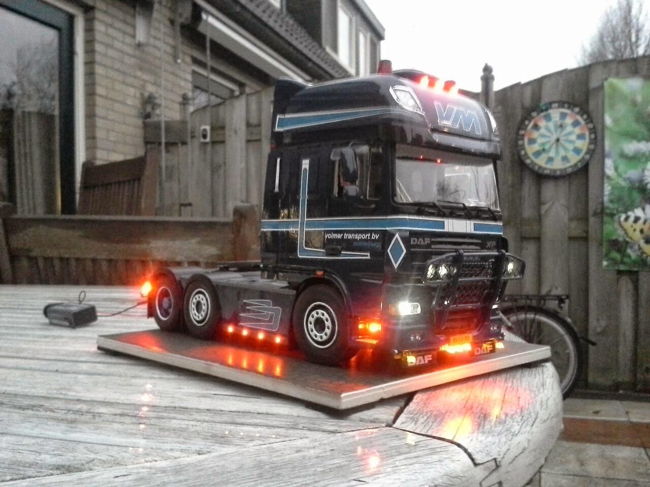 vrachtwagen modelbouw 1:24: Opdrachten van bedrijven en eigenrijders
