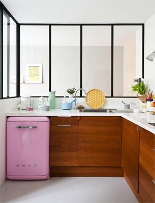 Pantone minigeladeira na cor rosa quartzo