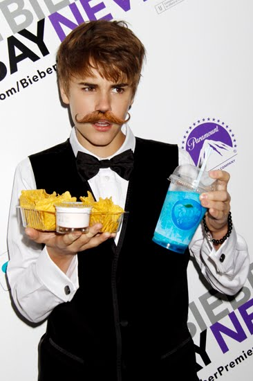 justin bieber mustache real. house Justin Bieber and Selena
