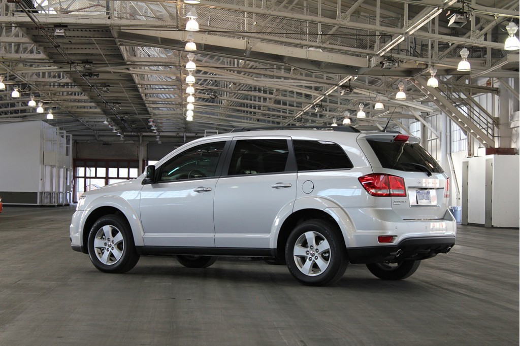 Chrysler Brings Dodge Journey Production to US
