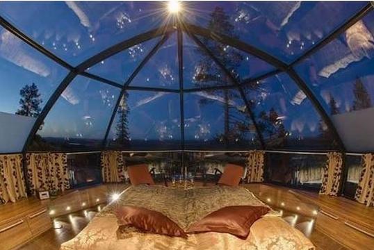 Tempat tidur atap transparant