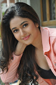 Poonam Bajwa latest sizzling photos-thumbnail-17
