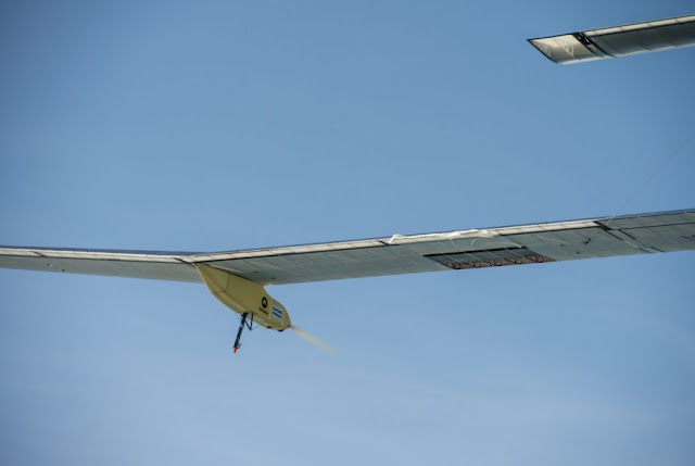 With almost zero CO2e, the Solar Impulse is green technology.
