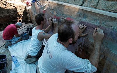 Αρχαίες Ρωμαϊκές τοιχογραφίες «ισάξιες της Πομπηίας» βρέθηκαν στη νότια Γαλλία