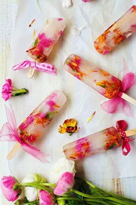 sorvete com flores comestiveis