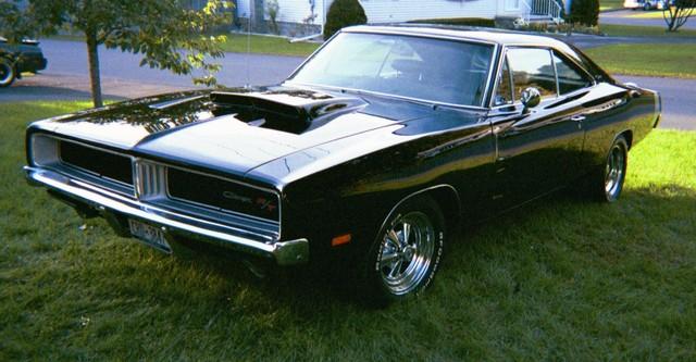Dodge%252BCharger%252B1969%252BBlack-Front%252BLeft%252BView.jpg