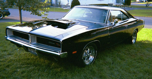 Dodge+Charger+1969+Black-Front+Left+View