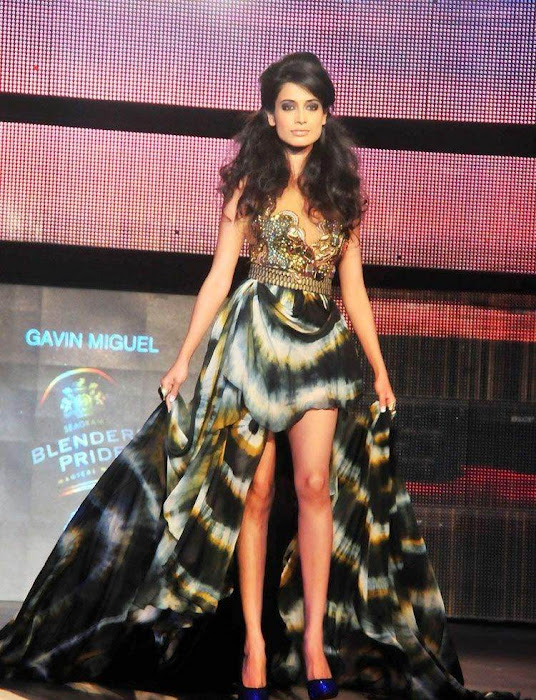 sarahjanedias rwalk at blenderspridefashiontour cute stills