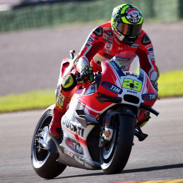 Jika Yamaha Tendang Lorenzo, Iannone Jadi Rekan Rossi ?