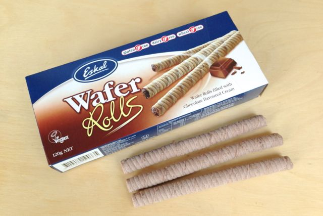 Eskal Wafer Rolls with Chocolate Cream are vegan