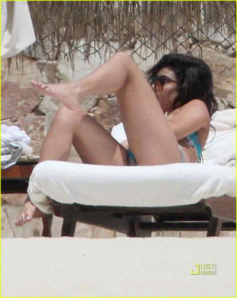 vanessa hudgens hot sexy bikini pics tiny bikini the beach los cabos 30 april 2011
