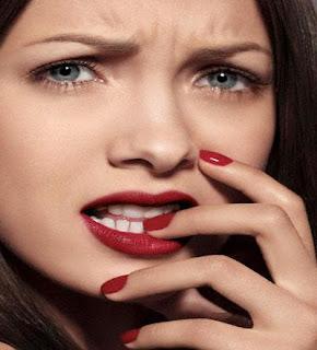 كيف تتخطين وتنسين حبك القديم - بنت امرأة فتاة حزينه مصدومة - girl woman shocked face sad