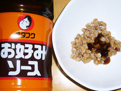 納豆にオタフクお好みソース