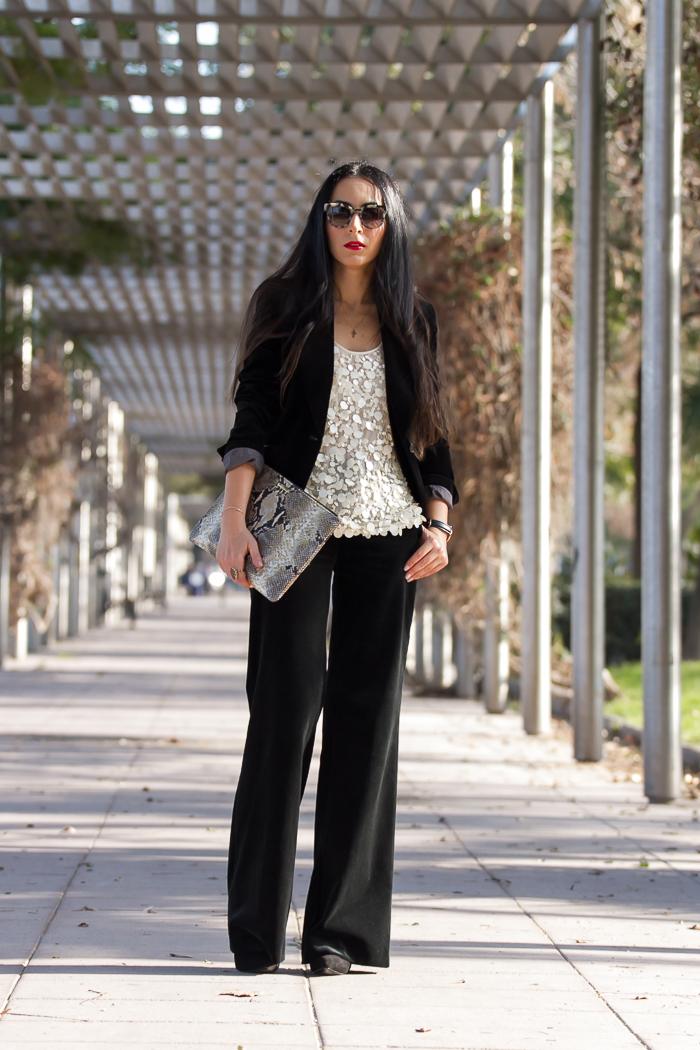 Blogger de moda española famosa con look para ocasiones especiales
