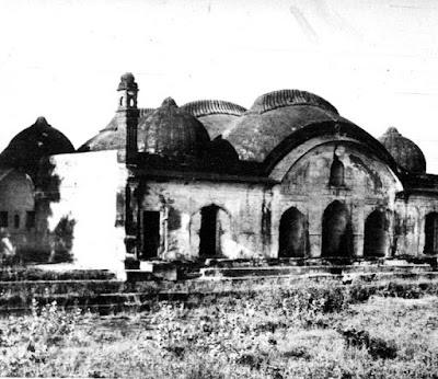 बुरहानपुर के जैनाबाद में स्थित मुमताज महल का मकबरा