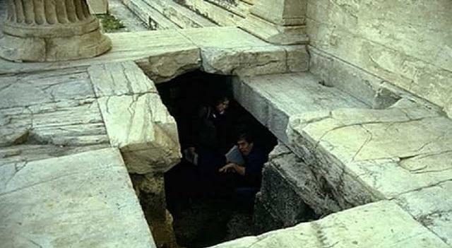 Έρευνα: Η «απαγορευμένη» Ακρόπολη των Αθηνών – Κρυφές Είσοδοι