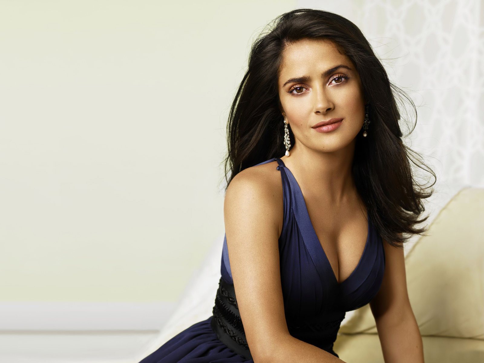 salma hayek hollywood actress latest hot hd wallpaper 2013