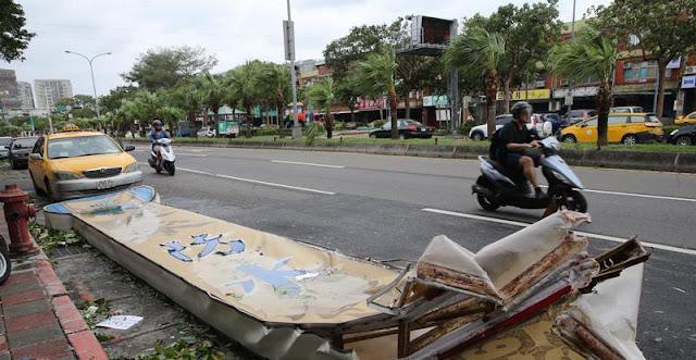 Topan Dujuan Taiwan 2015 Membawa 2 Korban Tewan dan 324 Terluka