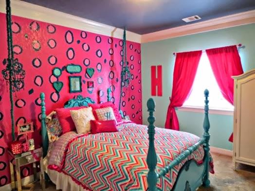 Decoración de dormitorio juvenil en rosa y fucsia. Un diseño de
