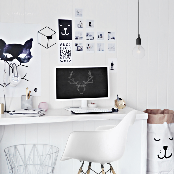 Only Deco Love: Free chalkboard Antlers Wallpapers