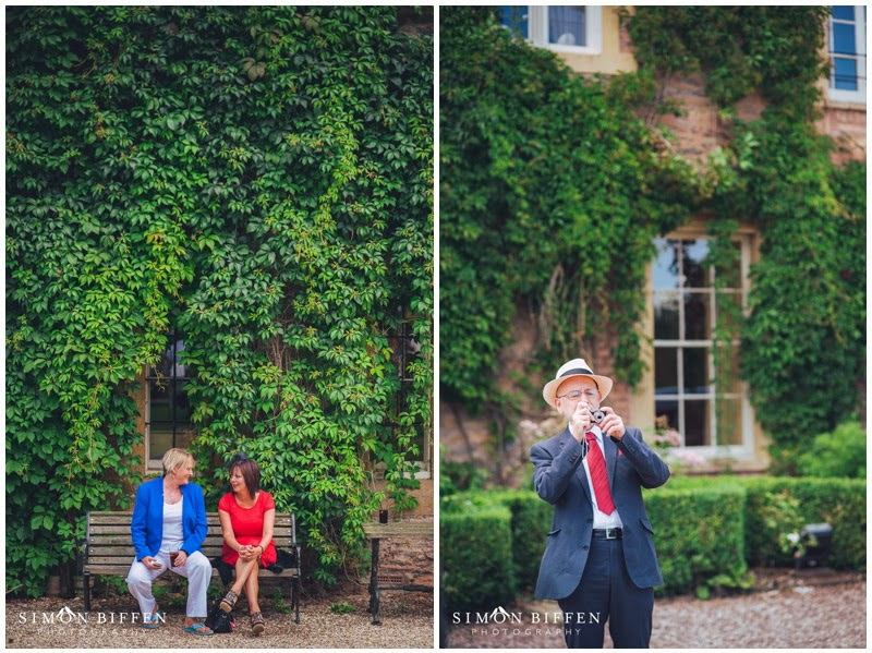 Maunsel house wedding guests
