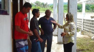 PREFEITA JAQUELINE ACOMPANHA DE PERTO OBRAS DA CRECHE