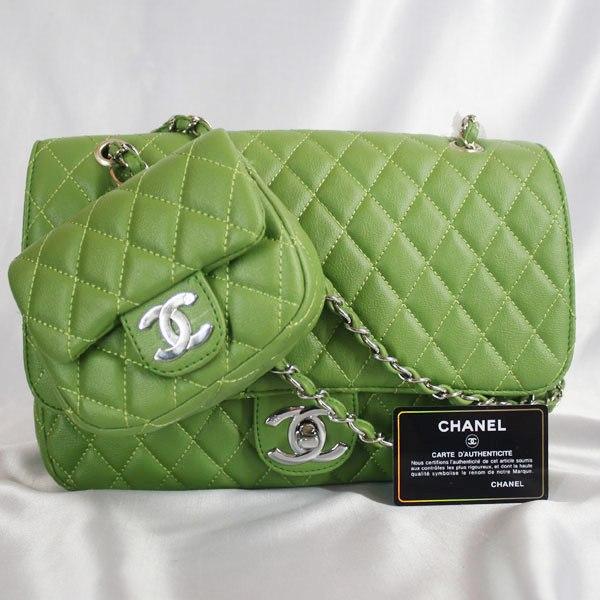 Tas Chanel Hijau dengan Dompet Kembar