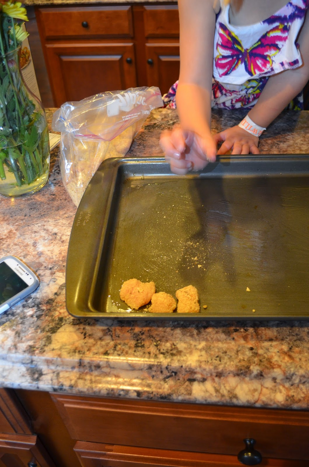 Erin Traill, diamond beachbody coach, clean eating with kids, healthy recipe, chicken nugget, kid approved recipe, fit mom, weight loss, weight loss success story,