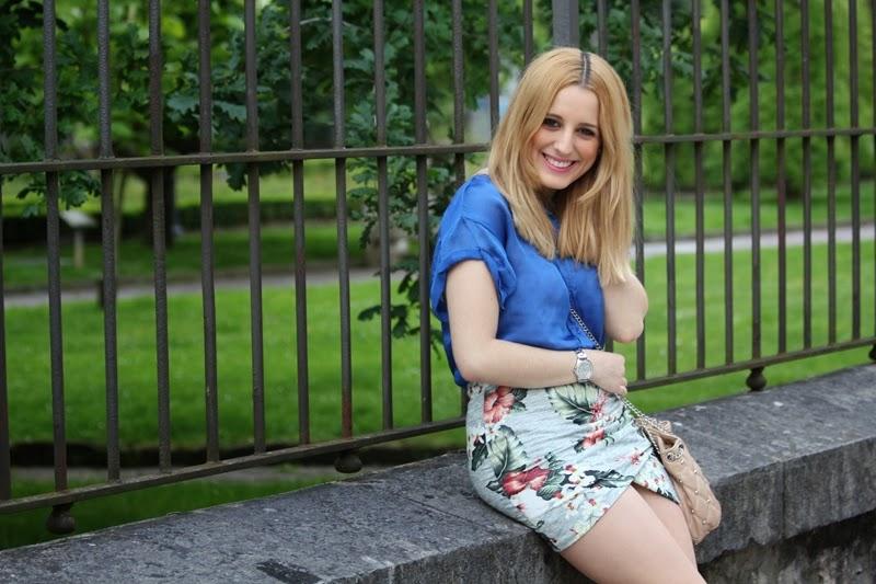 blue_shirt-flowered_skirt_zara-daily_outfit-spring
