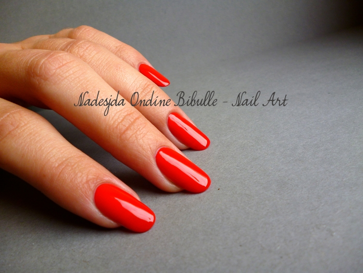 Essie - Leading Lady - Snap Happy... Coulis de fraises ou coquelicot fondu ?