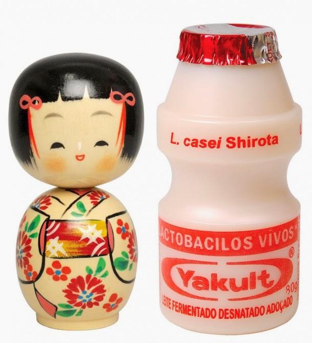 Formato do frasco plástico de Yakult seria inspirado em bonecas japonesas