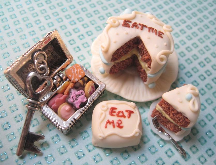 Alice in wonderland eat me cake recipe